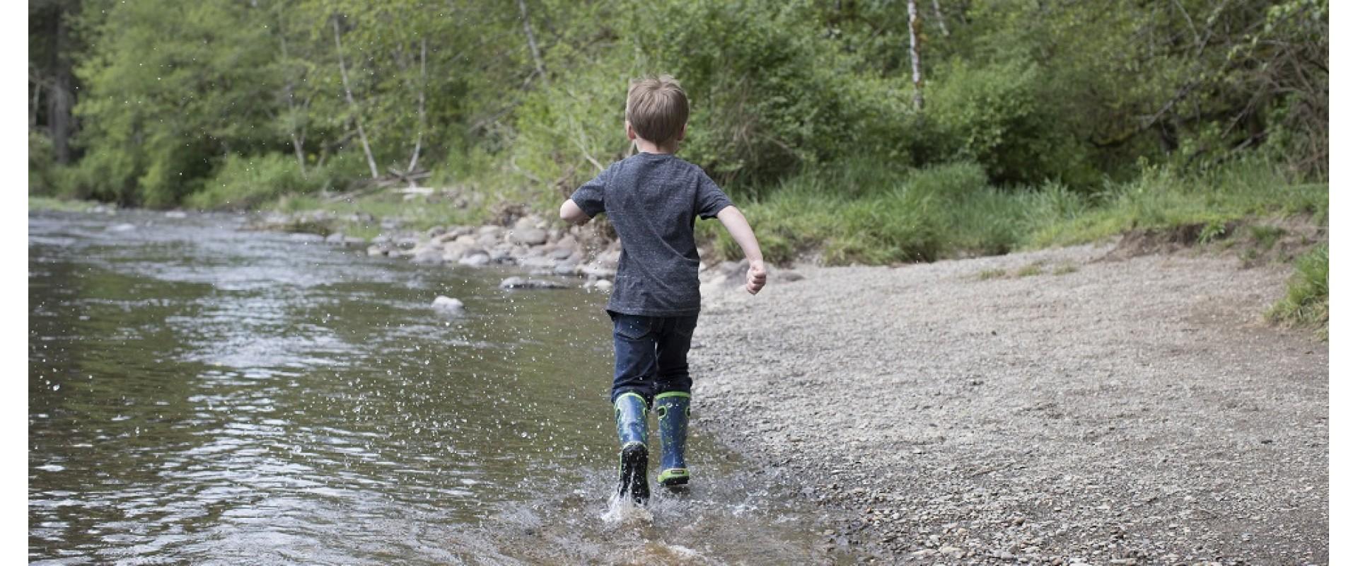 Jaro ani voda děti nezastaví